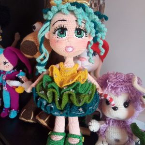 Suki the School Girl (Free Amigurumi Crochet Pattern) - Baby Bean ... | 300x300
